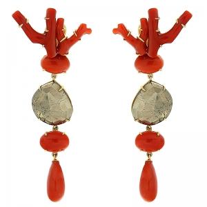 Pendientes Luciana en plata dorada, pirita y coral noble. - REF. N-Nº598P