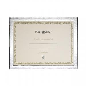 Marco Urano porta diplomas. - REF. 07500564