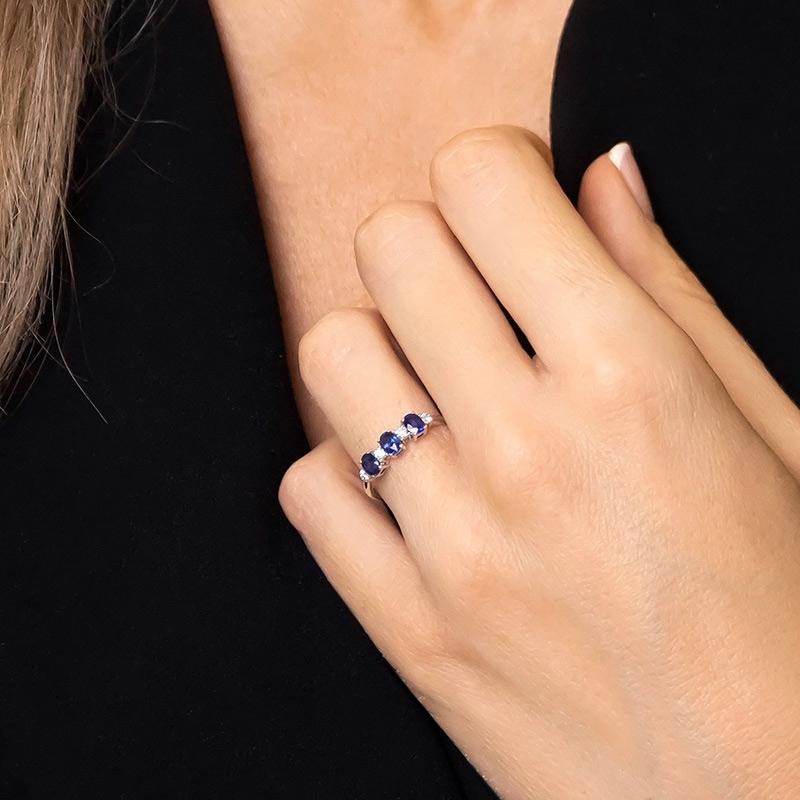 Anillo oro blanco 1ª ley, zafiros y diamantes. - REF. N-7341BZS - Movil